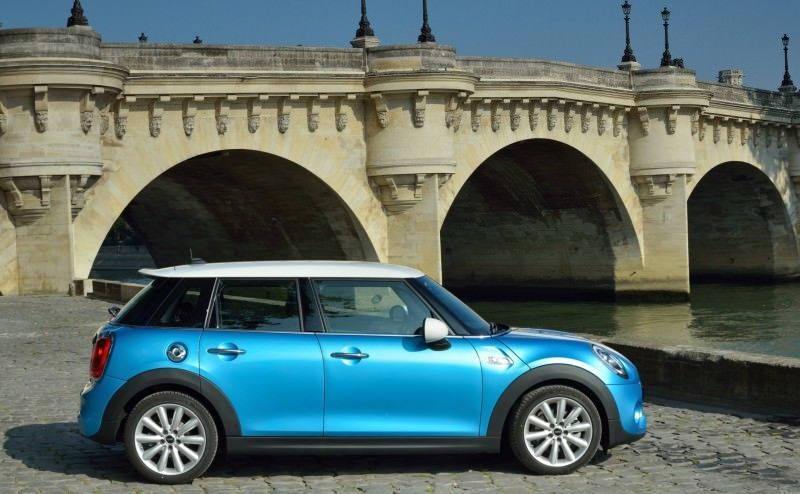 2015 MINI Cooper 5-Door in Postcard-Worthy Trip Around The City of Light 14