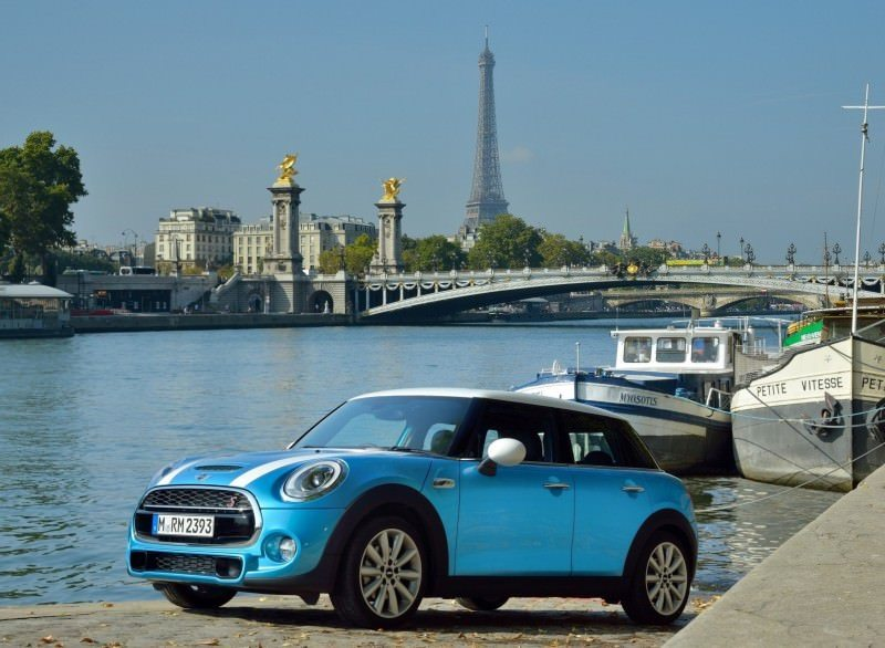 2015 MINI Cooper 5-Door in Postcard-Worthy Trip Around The City of Light 16