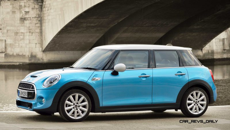 2015 MINI Cooper 5-Door in Postcard-Worthy Trip Around The City of Light 3