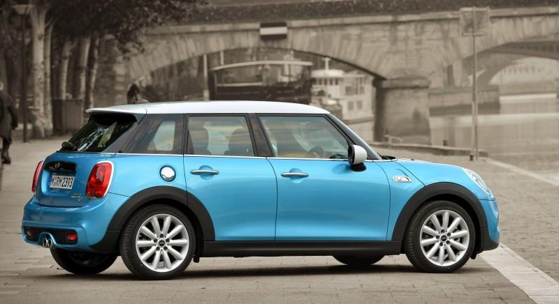 2015 MINI Cooper 5-Door in Postcard-Worthy Trip Around The City of Light 6