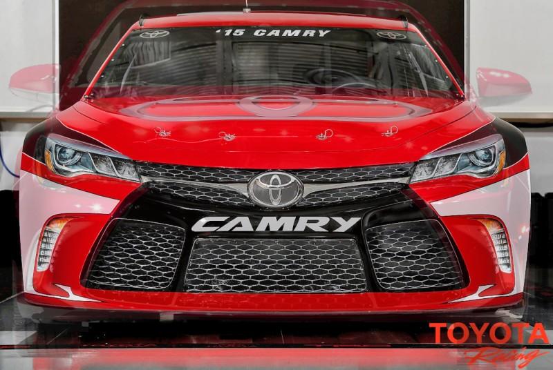 2015 Toyota Camry NASCAR 13
