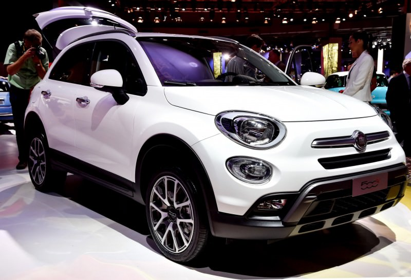 2016 Fiat 500X Makes Paris Debut With Optional AWD and 9-Speed Automatic 3