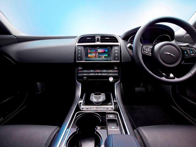 2016 Jaguar XE 26