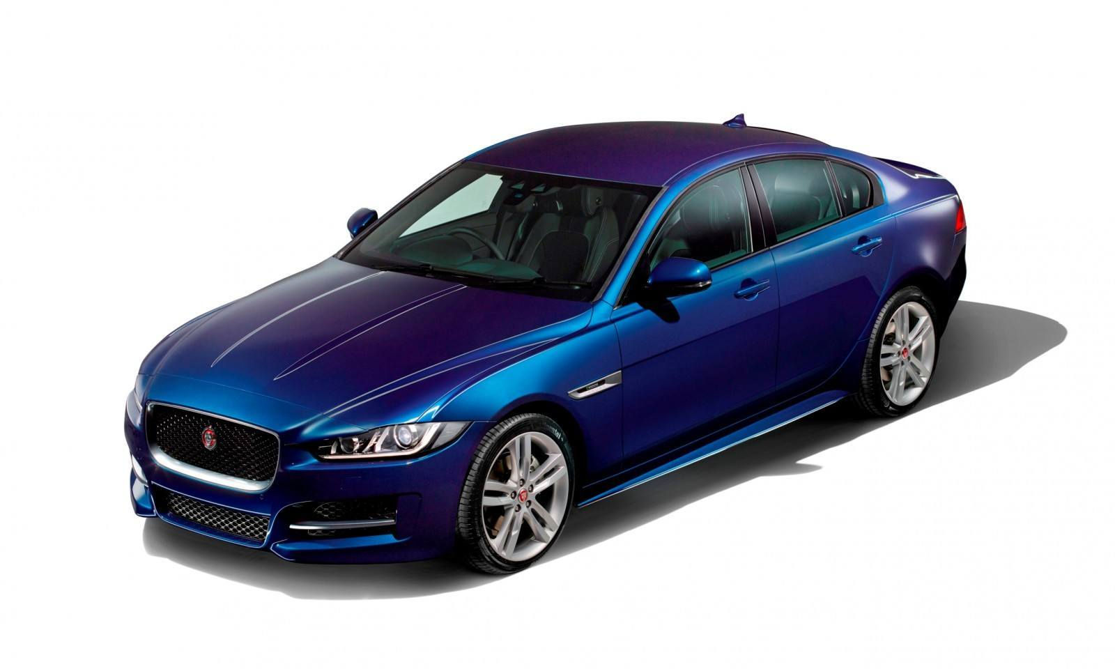 2016 Jaguar XE 48