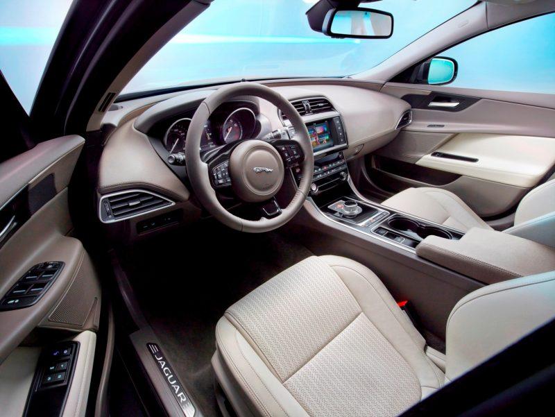2016 Jaguar XE 6