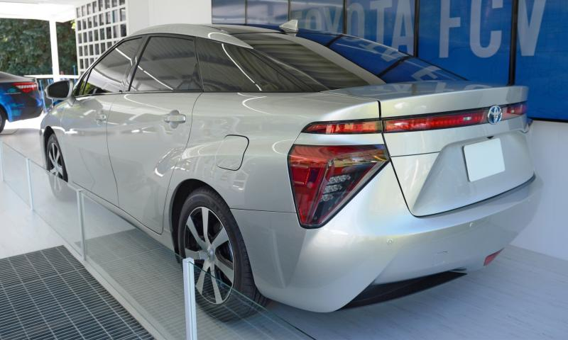 2016 Toyota FCV Production Car 13