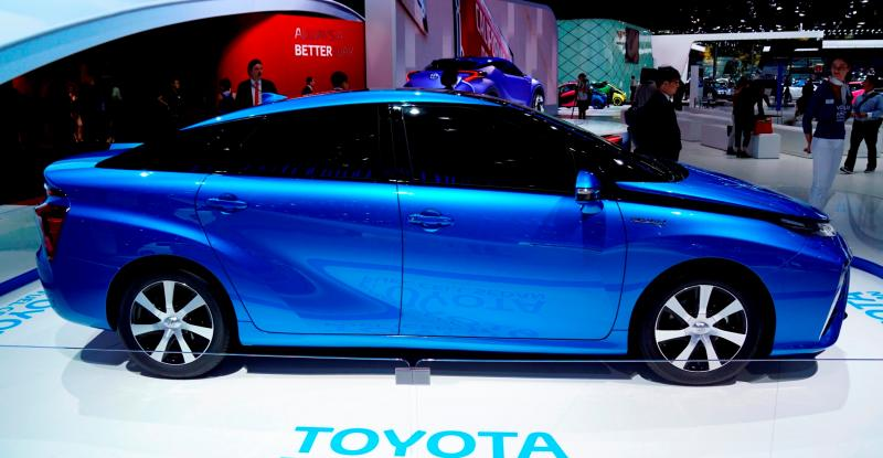 2016 Toyota FCV Production Car 2