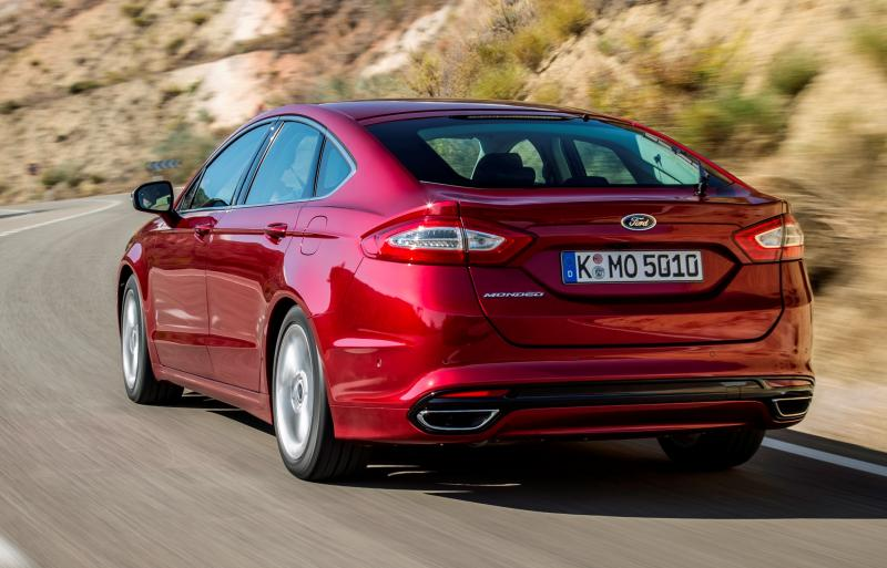 All-new Ford Mondeo debuts Pedestrian Detection; new engines and reduced weight deliver enhanced efficiency -59582