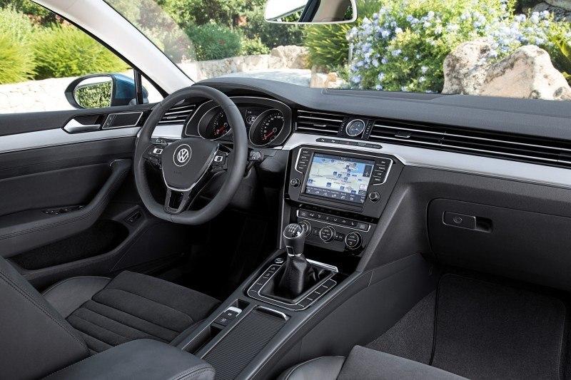 European 2015 Volkswagen Passat 36