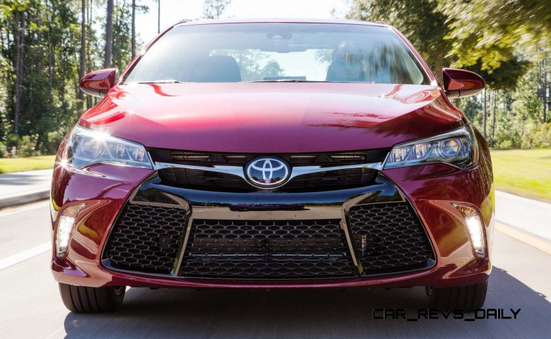 HD Road Test Review - 2015 Toyota Camry XSE 1