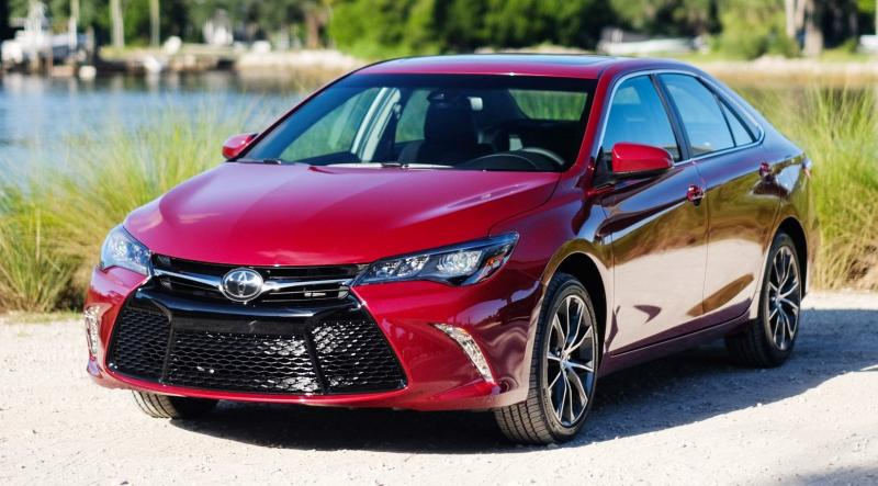 HD Road Test Review - 2015 Toyota Camry XSE 12