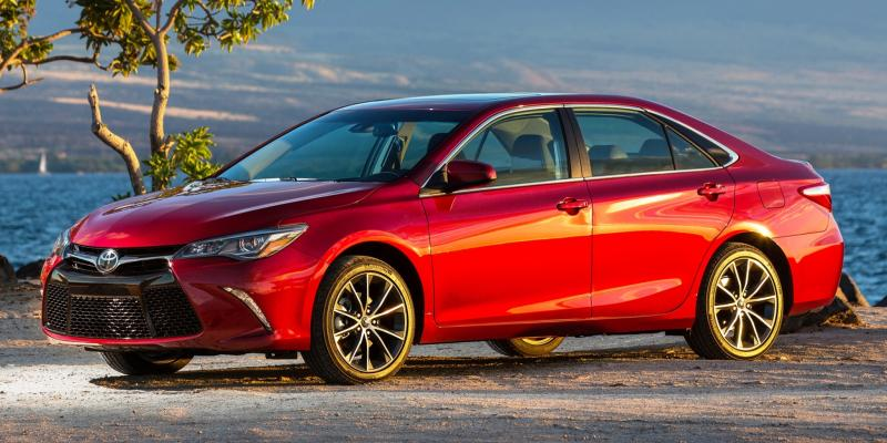 HD Road Test Review - 2015 Toyota Camry XSE 15