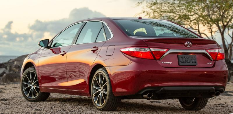 HD Road Test Review - 2015 Toyota Camry XSE 17