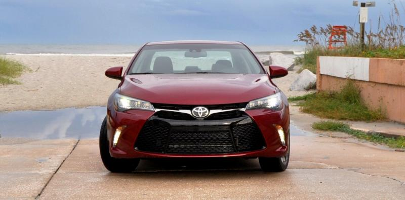 HD Road Test Review - 2015 Toyota Camry XSE 30