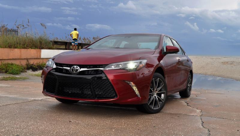 HD Road Test Review - 2015 Toyota Camry XSE 33