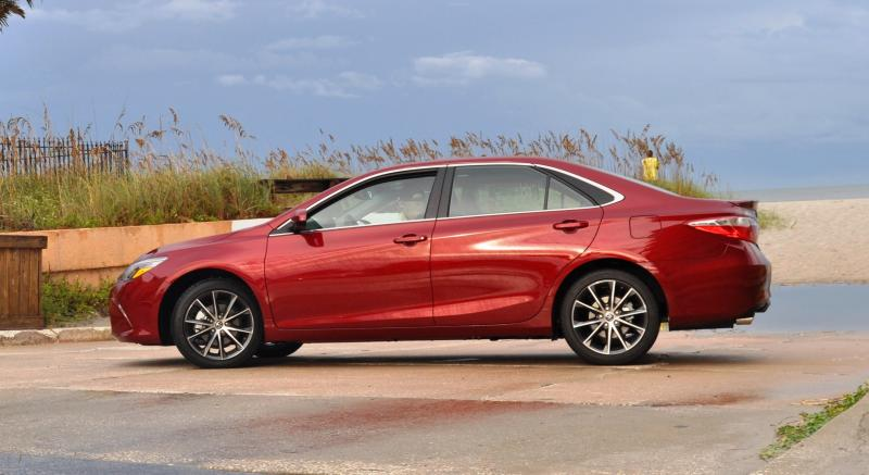 HD Road Test Review - 2015 Toyota Camry XSE 38