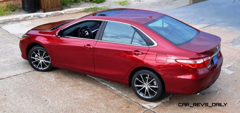 HD Road Test Review - 2015 Toyota Camry XSE 39