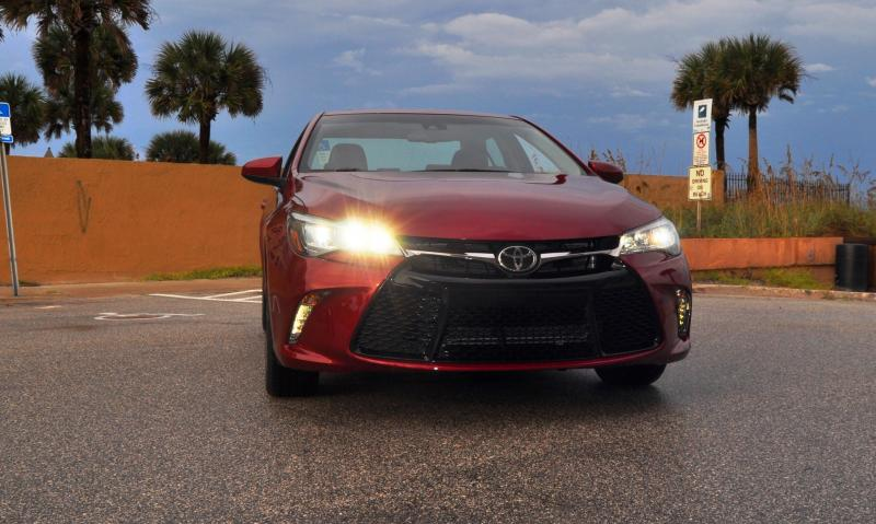 HD Road Test Review - 2015 Toyota Camry XSE 48