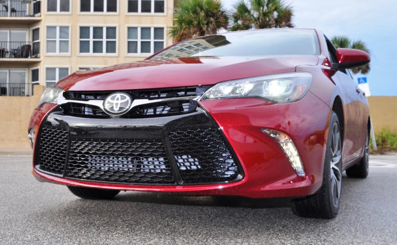 HD Road Test Review - 2015 Toyota Camry XSE 51