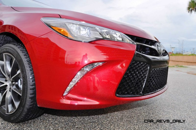 HD Road Test Review - 2015 Toyota Camry XSE 52