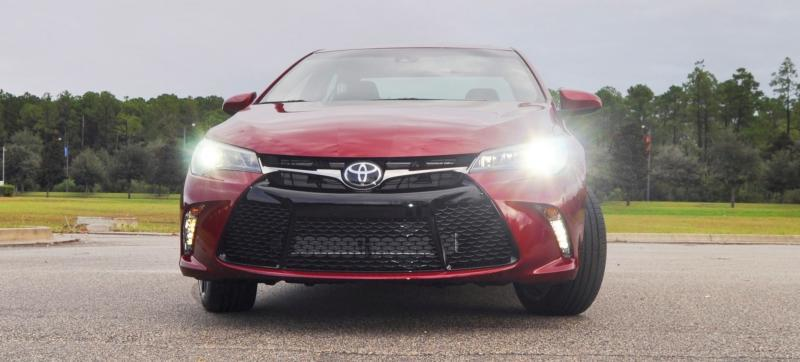 HD Road Test Review - 2015 Toyota Camry XSE 58