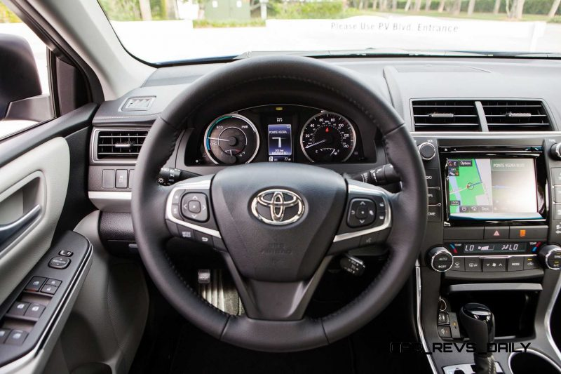 HD Road Test Review - 2015 Toyota Camry XSE 6