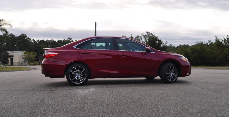 HD Road Test Review - 2015 Toyota Camry XSE 63