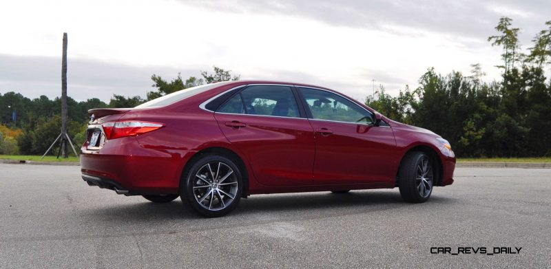 HD Road Test Review - 2015 Toyota Camry XSE 64