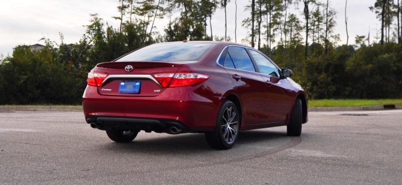 HD Road Test Review - 2015 Toyota Camry XSE 65