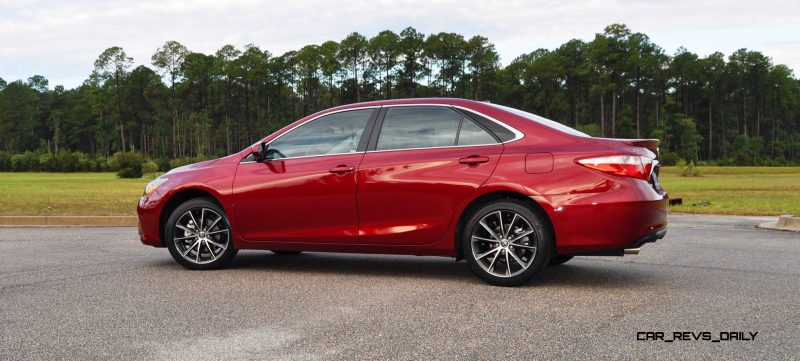 HD Road Test Review - 2015 Toyota Camry XSE 70