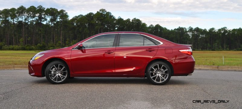 HD Road Test Review - 2015 Toyota Camry XSE 71