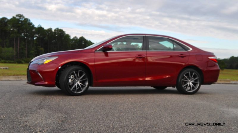 HD Road Test Review - 2015 Toyota Camry XSE 72