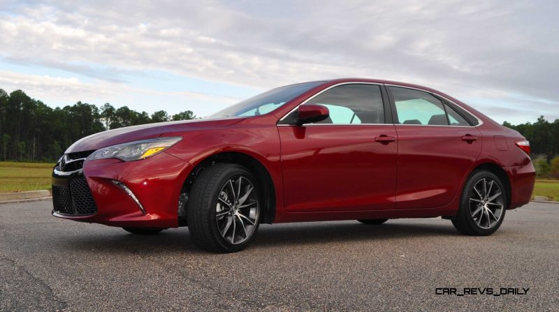 HD Road Test Review - 2015 Toyota Camry XSE 73
