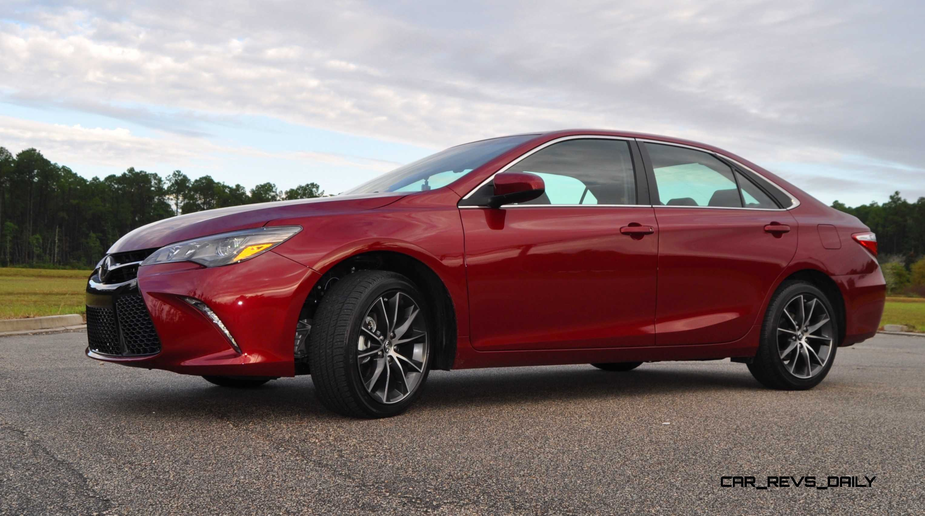 hd road test review 2015 toyota camry xse is fast and quiet. Black Bedroom Furniture Sets. Home Design Ideas