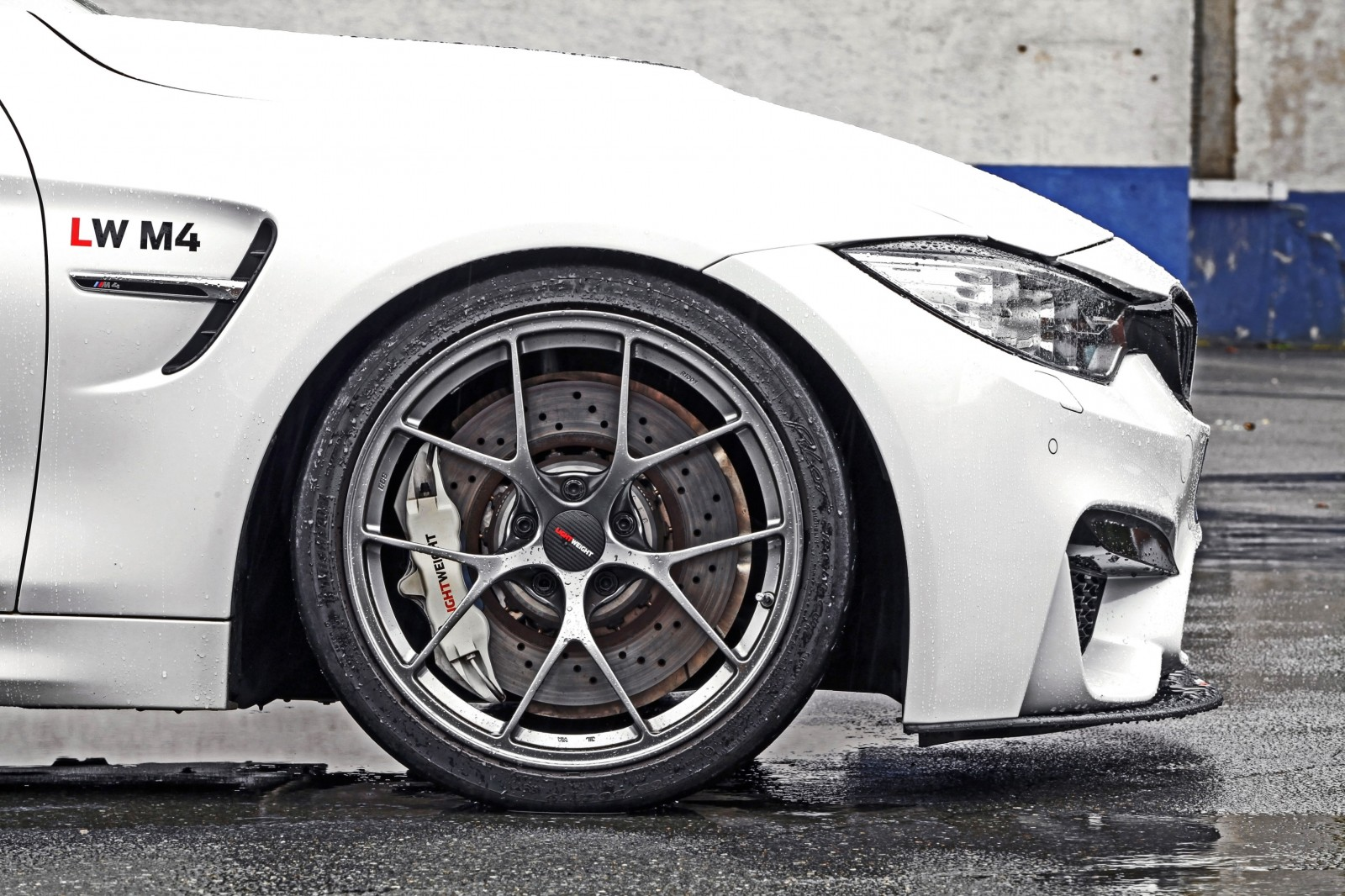 Lightweight BMW M4-7