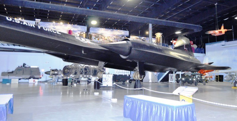 Lockheed SR-71A Blackbird 75