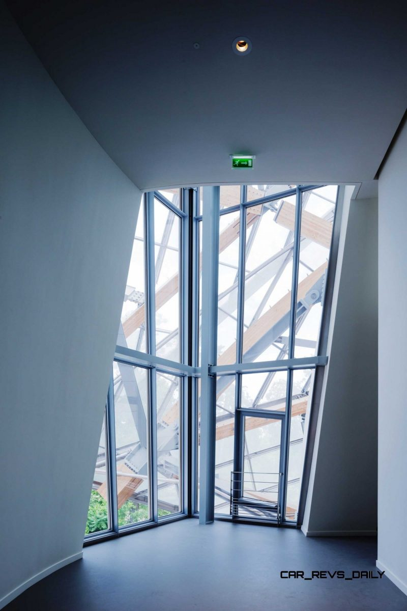 New Paris Art Museum from LVMH's Arnaud Shows Progress in Gehry Design Aesthetic 18