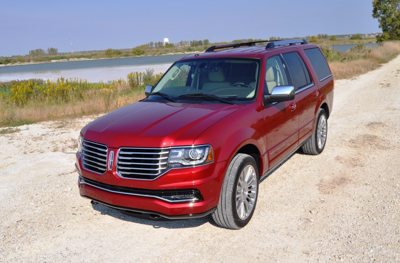 Road Test Review - 2015 Lincoln Navigator Is Totally Transformed By MR Shocks and EcoBoost 17