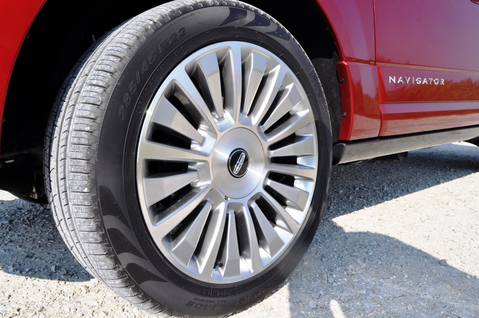 Road Test Review - 2015 Lincoln Navigator Is Totally Transformed By MR Shocks and EcoBoost 22