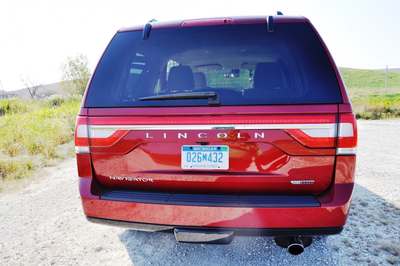 Road Test Review - 2015 Lincoln Navigator Is Totally Transformed By MR Shocks and EcoBoost 34