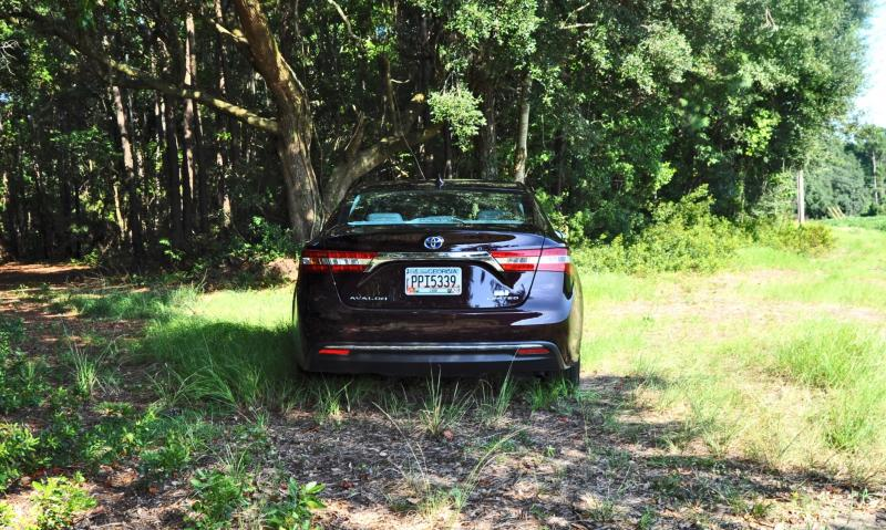 Road Test Review - 2015 Toyota Avalon Hybrid 10