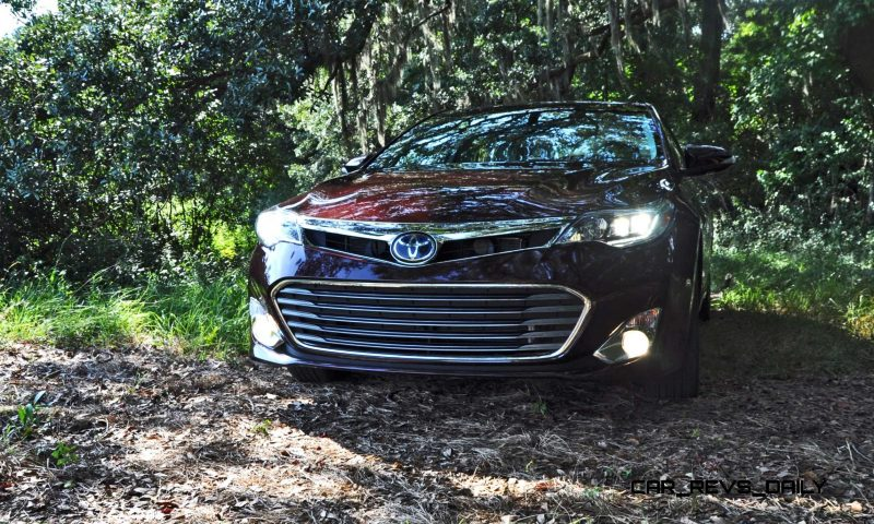 Road Test Review - 2015 Toyota Avalon Hybrid 12