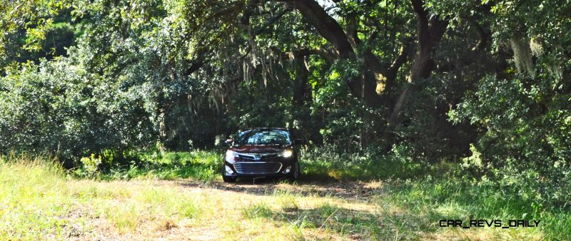 Road Test Review - 2015 Toyota Avalon Hybrid 19