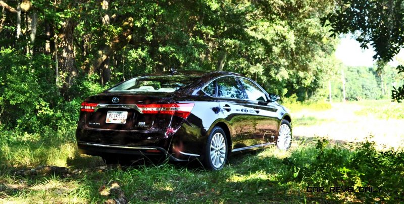 Road Test Review - 2015 Toyota Avalon Hybrid 26