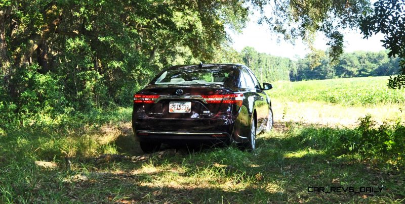 Road Test Review - 2015 Toyota Avalon Hybrid 27