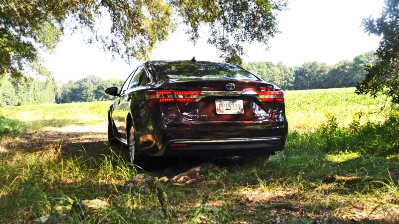 Road Test Review - 2015 Toyota Avalon Hybrid 29
