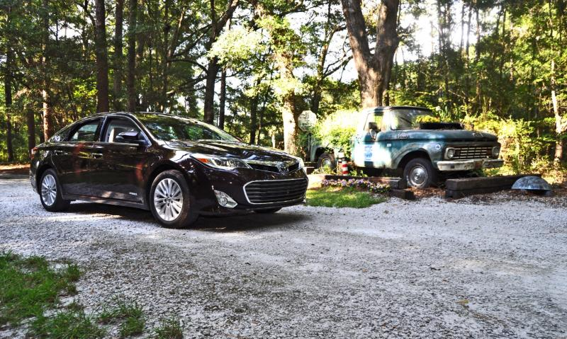 Road Test Review - 2015 Toyota Avalon Hybrid 44