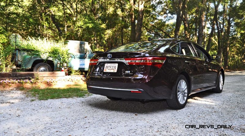 Road Test Review - 2015 Toyota Avalon Hybrid 49