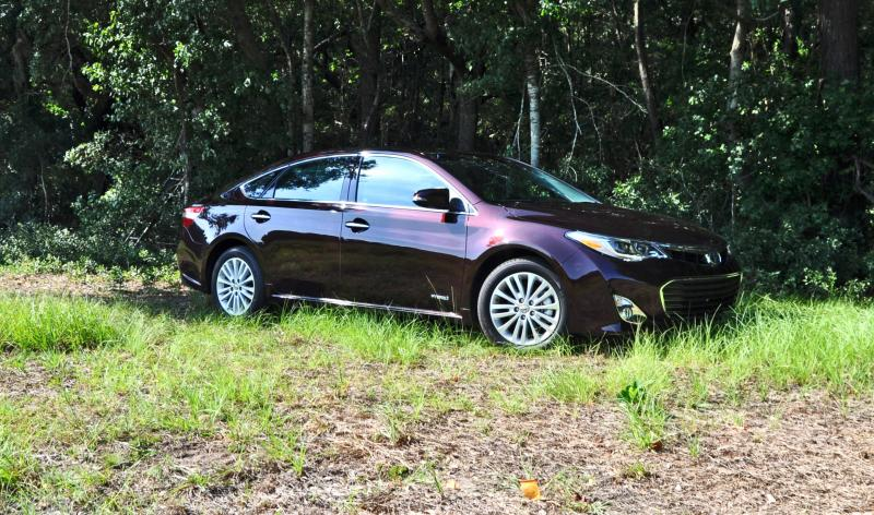 Road Test Review - 2015 Toyota Avalon Hybrid 5