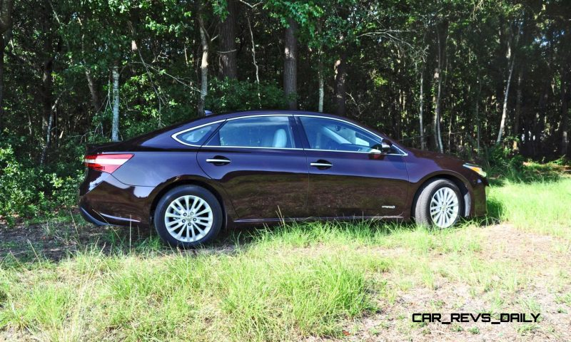 Road Test Review - 2015 Toyota Avalon Hybrid 8